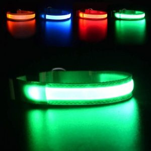 MASBRILL light up collar comes in green, red and blue colors.