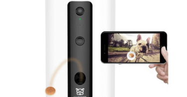 Treat tossing feature on Wopet dog camera